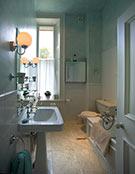 1 Tipperlinn Road Washroom