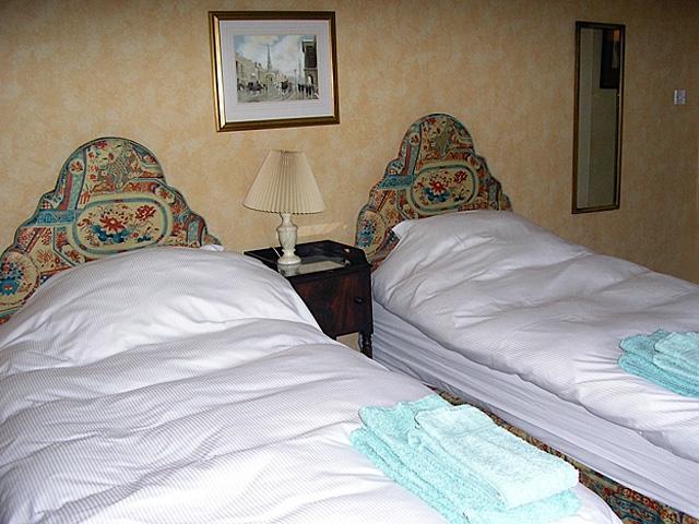 1 Tipperlinn Road Sleeping Room
